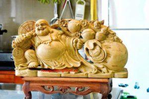 Cách Đặt Tượng Phật Di Lặc Bằng Gỗ Tự Nhiên Cao Cấp