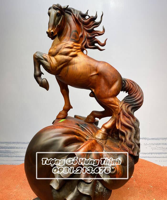 Tượng Ngựa Trong Phong Thủy: Ý nghĩa, Cách đặt mang lại Tài Lộc